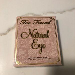 Too faced Natural eye make up
